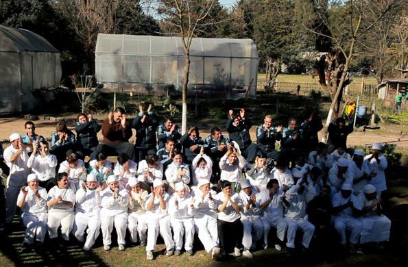 Todo el equipo de trabajadores que forman parte de Granja Andar en Moreno.