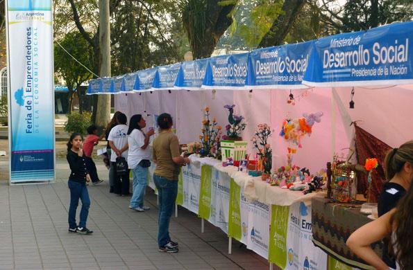 La feria de Maipú en Mendoza está ubicada en la Plaza 12 de Febrero.