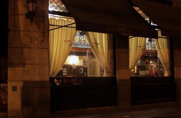 El restaurant temático que gestiona la cooperativa está ubicado en Belgrano al 300.