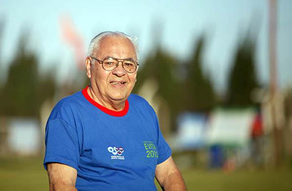 Participó, en los certámenes de 1951, en fútbol; y actualmente participa en tejo.