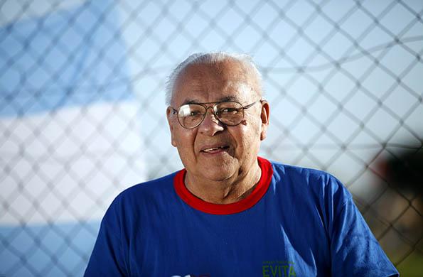 Daniel Solís nació en Misiones hace 76 años y continúa participando de los Juegos Nacionales Evita