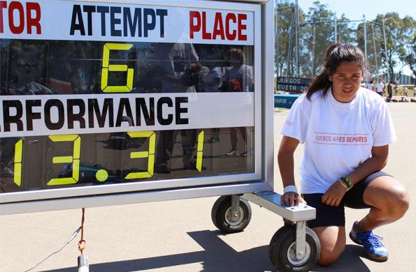 Ailén Armada con su marca que le permitió ocupar el primer lugar en los Juegos Evita 2012.