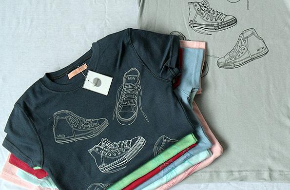 Algunas de las prendas elaboradas por los cooperativistas de la fábrica recuperada.