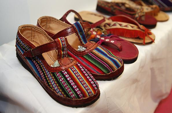 Los calzados están confeccionados con materia prima que no contamina la tierra.