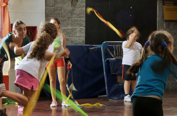 En 2000, la cooperativa fundó un centro cultural donde se realizan actividades artísticas.