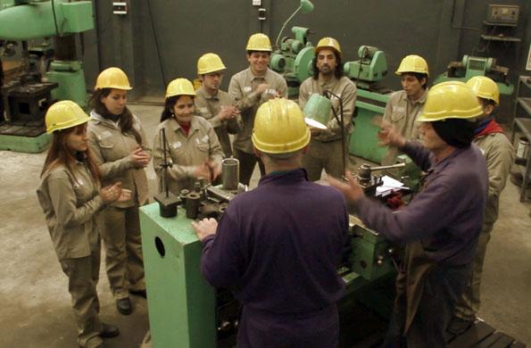 La cooperativa brinda trabajo a un grupo de 25 operarios.