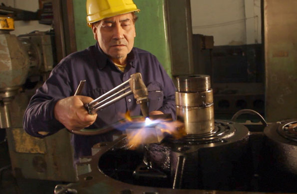 Standard Motor se dedica a fabricar piezas de gran tamaño para la industria.