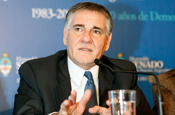 El Secretario Castagneto señaló la importancia de mantener un permanente contacto con la ciudadanía.