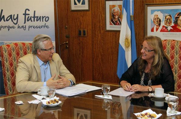 La ministra Alicia Kirchner se reunió esta tarde con el jurista españor Baltasar Garzón.