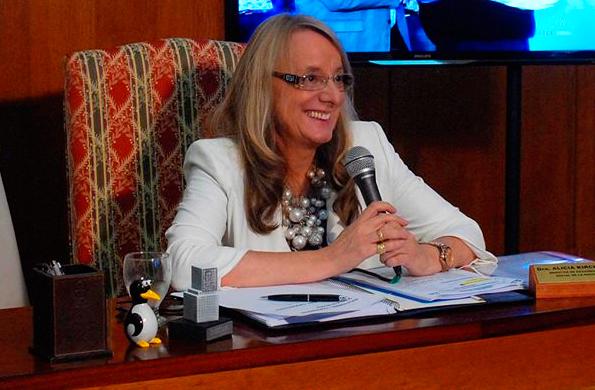 La ministra Alicia Kirchner mantuvo una teleconferencia con la provincia de San Juan.