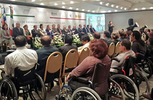 CONADIS partició en el foro de inclusión laboral de las personas con discapacidad en México.