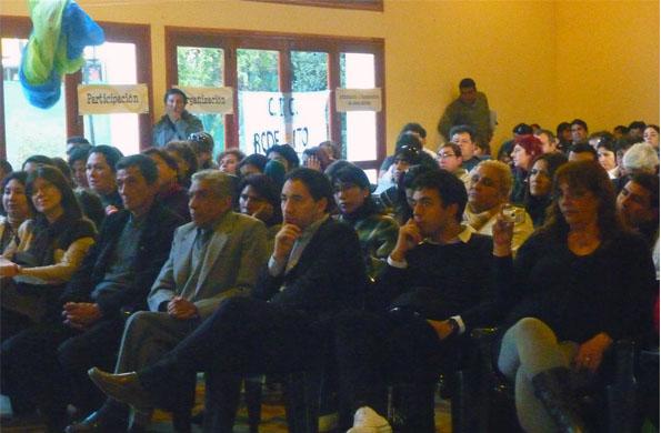 """En el encuentro """"Creciendo Juntos"""" asistieron más de 350 personas."""