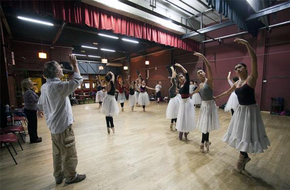 El cuerpo de baile en la celebración del Día Internacional de la Danza.