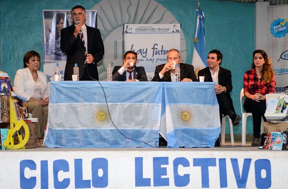 El secretario Carlos Castagneto dio inicio al ciclo lectivo 2015 del Plan FinEs en San Miguel.