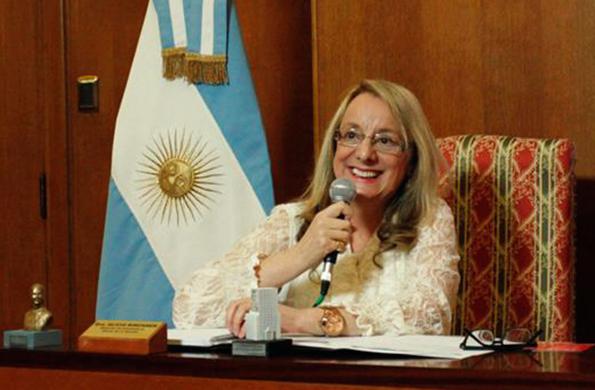 Durante la teleconferencia la ministra entregó órdenes de pago y pensiones.