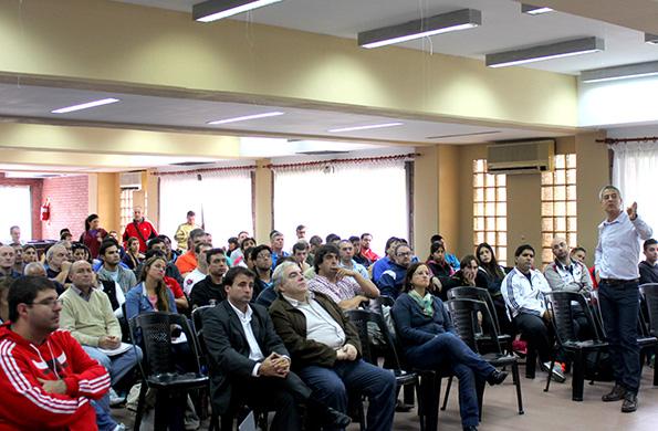 Participaron del encuentro entrenadores y dirigentes deportivos de todo el país.
