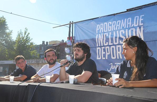El subsecretario de Juventud, Facundo Tignanelli junto al diputado Nacional Leonardo Grosso.