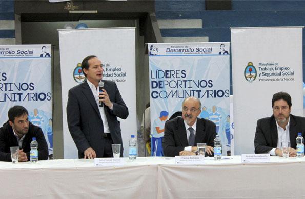 El programa de Líderes Deportivos incluye a más de 1.200 jóvenes de varias provincias del país.