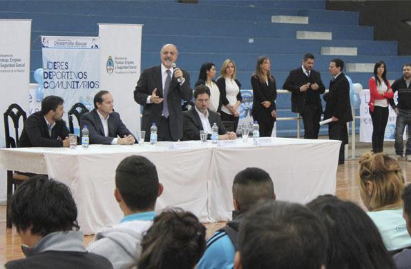 Participaron el secretario de Deporte, Camau Espínola y el Ministro de Trabajo, Carlos Tomada.