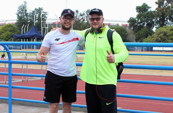 El atleta polaco estuvo acompañado por su fisioterapeuta Radoslaw Hojszyk.