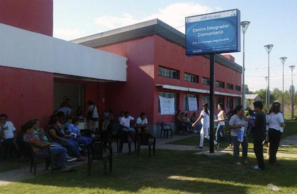 Se realizaron trámites de DNI y talleres a docentes.