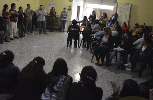 El objetivo es poner en práctica en casas y centros comunitarios, lo aprendido en las capacitaciones
