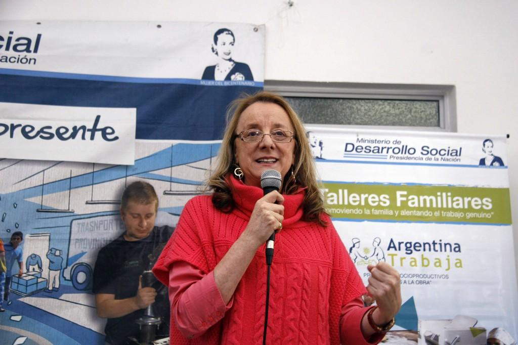 En el Centro Social Cosmopolita de Malabrigo, la funcionaria nacional participó de la reunión.
