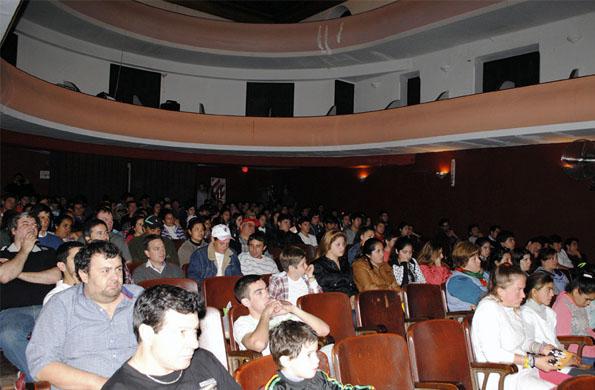 Las dos funciones tuvieron lugar en el teatro Verdi de Carlos Casares.