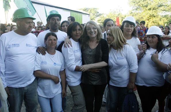 Alicia Kirchner saludó a los trabajadores en su día.