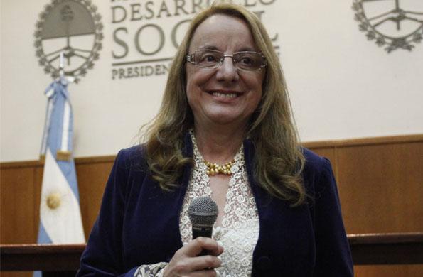 La ministra de Desarrollo Social mantuvo una teleconferencia con la localidad de Lomas de Zamora.
