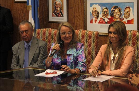 La ministra de Desarrollo Social, Alicia Kirchner durante la reunión realizada hoy.