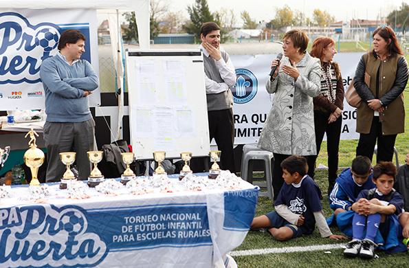 El tornero promueve los valores positivos del deporte y el juego limpio.