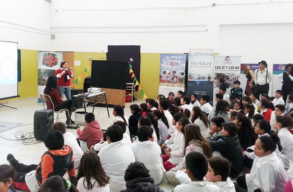De la actividad participaron más de 500 alumnos de los distintos niveles en Caleta Olivia.