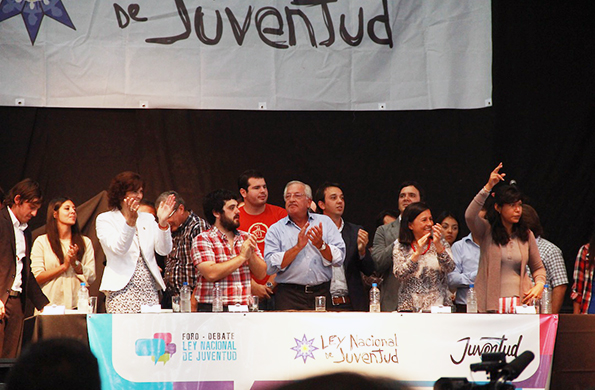 Más de 3.500 jóvenes participaron del foro.