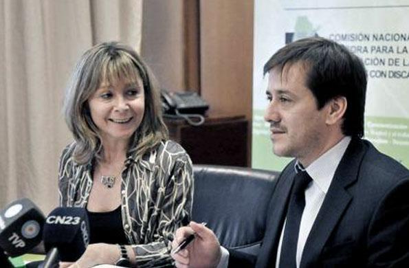 La Comisión Nacional Asesora de Personas con Discapacidad firmó un acuerdo con Aerolíneas Argentinas