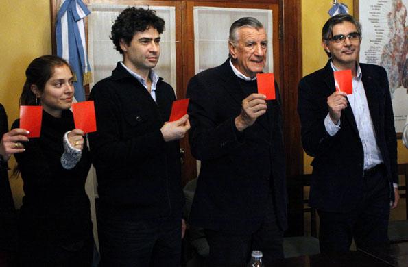 """Durante el evento también se sumaron a la campaña """"Sacá tarjeta roja al maltratador""""."""