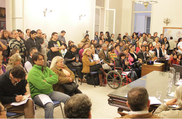 """Participantes al 2do Foro """"Hacia Otra Economía"""" que se llevó a cabo en Mendoza del 10 al 12 de Mayo."""