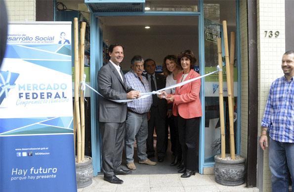 Desarrollo Social inauguró un nuevo Mercado Federal de la Economía Solidaria en La Plata.