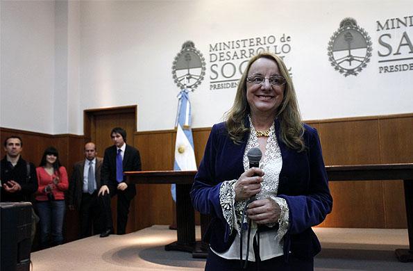 La ministra mantuvo una teleconferencia con el CIC de Marcos Paz.