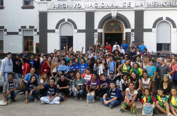 """Más de 200 chicas y chicos de Buenos Aires participaron del foro """"Memoria, Verdad y Justicia""""."""