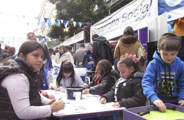 La SENAF organizó actividades recreativas durante la Semana de Mayo.
