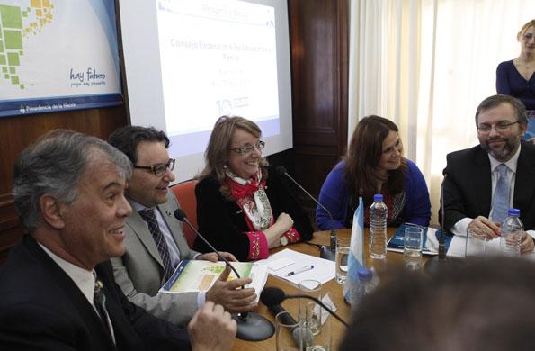Aliica Kirchner destacó el valor del trabajo y las convicciones.