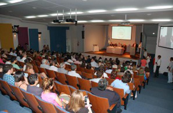 El encuentro contó con la presencia de más de 150 personas de distintas organizaciones sociales.