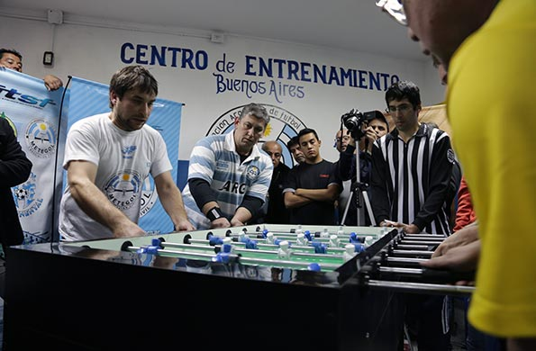 Se realizó el primer torneo internacional de Fútbol de Mesa en Floresta.