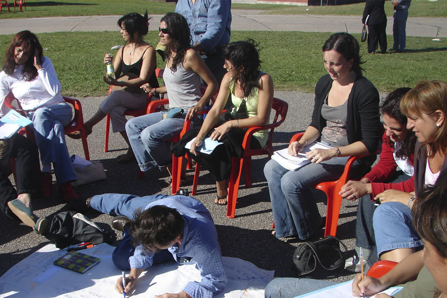 Se lanzará la Escuela Popular de Género en la Universidad de Avellaneda.