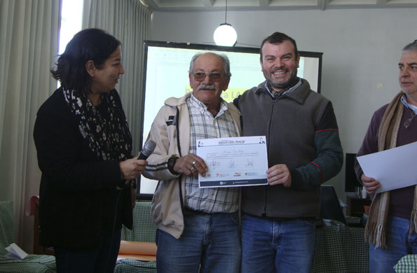 Se entregaron certificados de capacitación de los talleres.