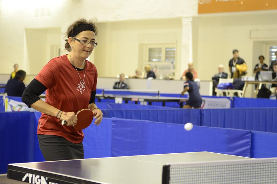 Melani Sing viajó a la Argentina con su hijo para competir en las disciplinas tenis de mesa y bowling.
