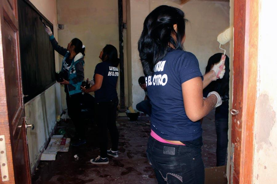 """Jóvenes integrantes de """"La Patria es el Otro"""" en Humahuaca, Jujuy."""