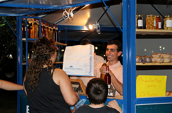 La feria permanente se desarrolla en la plaza de Villa Krause en la localidad de Rawson, San Juan.