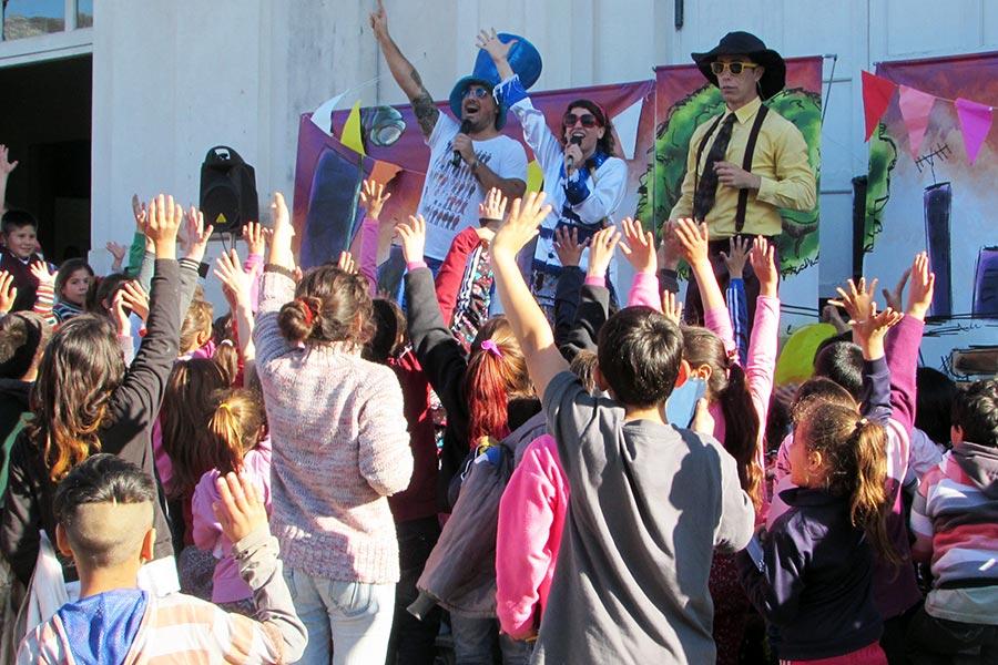 Más de 400 niñas y niños festejaron su día en el Espacio Colonia Gutiérrez.